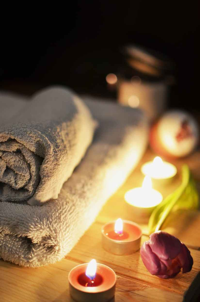 love romantic bath candlelight